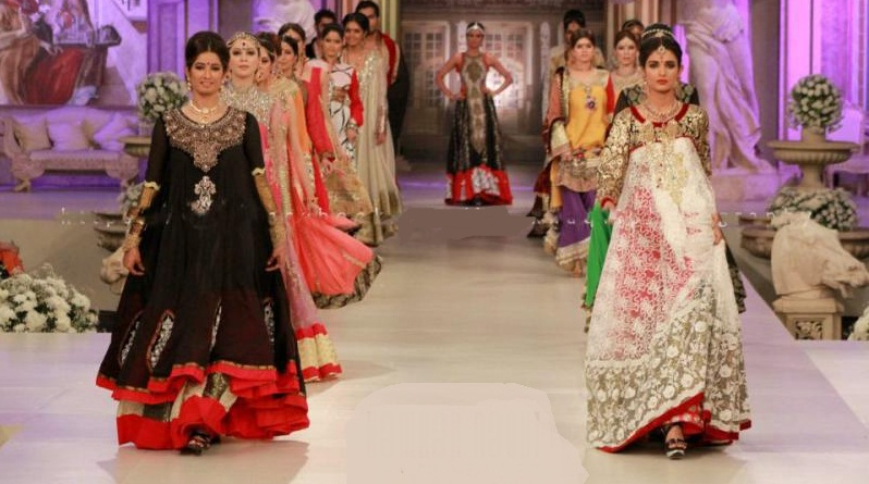 Bridal-Couture-Week-Complete-Collection-of-Saim-Ali-2013c