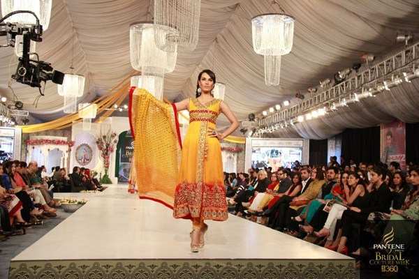 Hijaab-Bridal-Dresses-Designs-At-Bridal-Couture-Week-2013-2014-9