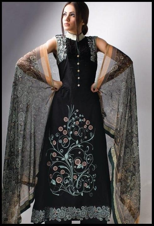 latest-beautiful-black-dress-fashion-in-pakistan