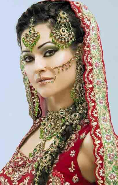 Latest-Designs-Pakistani-Girls-Bridal-Jewellery-Fashion