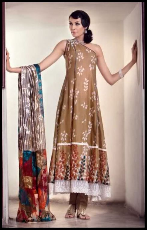 Latest-Wedding-Dresses-Fashion-2012-in-Pakistan-For-Girls_01