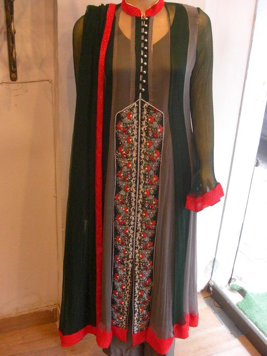 Long-Shirt-A-Line-Fashion-In-Pakistan-For-Girls-2