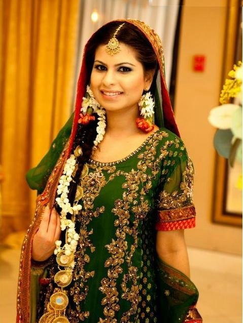 Bridal-Mehndi-Dresses