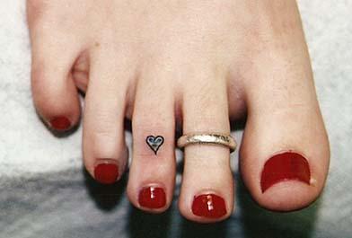 toe-tattoo
