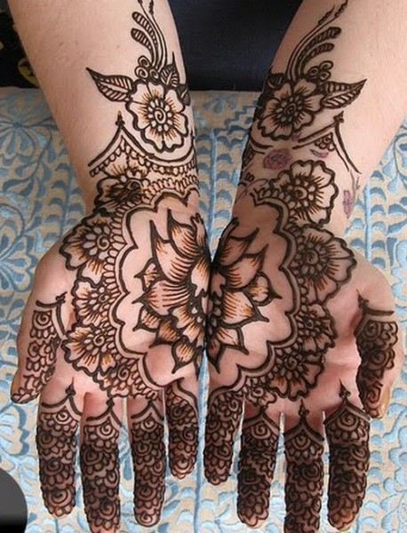 Bridal-Mehndi-Designs-Collection-2010-040-458x600