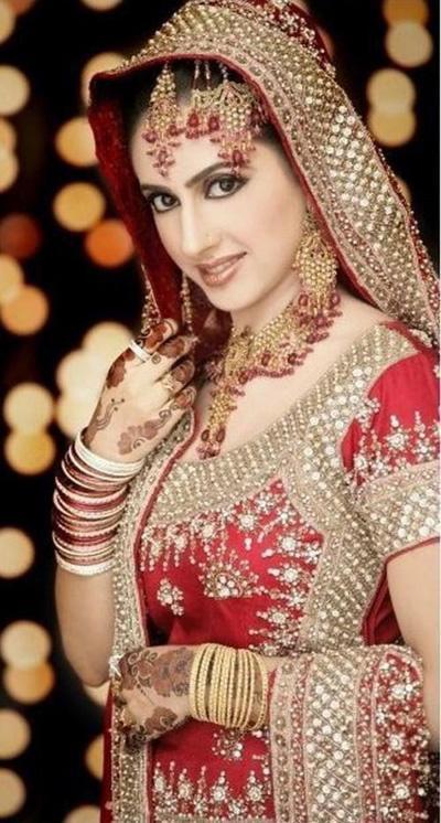 Pakistani-Bridal-Dresses-2013-Collection-63