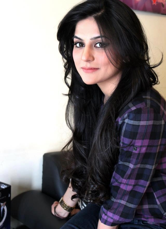 Top-10-Most-Beautiful-Women-Actresses-Of-Pakistan-2
