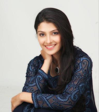 aiza-khan-pakistani-actress-and-top-model-4