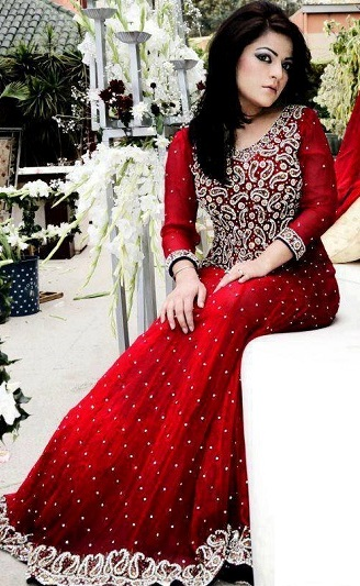 Pakistani-Designer-Dresses-Stylish-Party-Wear-Eid-Dresses-For-Girls-8