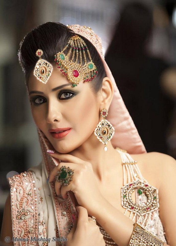 Bridal-Jewelry-Collection-by-Anam-Yazdani