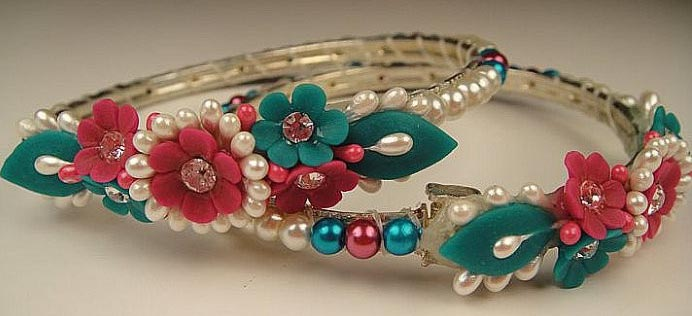 1-stylish-Bangles-for-teenage-girls