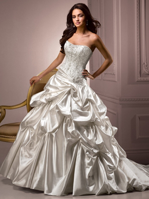 Ball-Gown-Strapless-Off-Shoulder-Wedding-Dress
