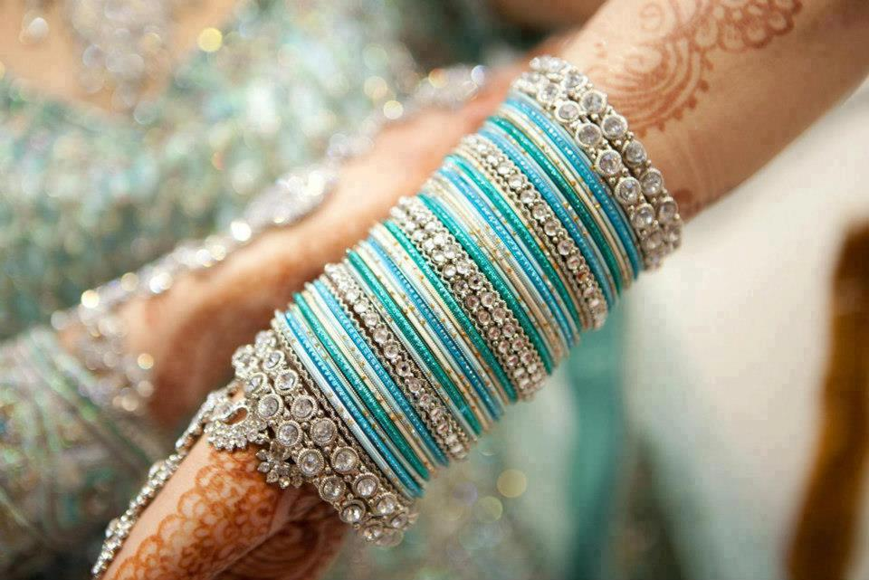 Eid-Bangles-Design-2014-For-Girls-With-Prices-Pictures-Photos