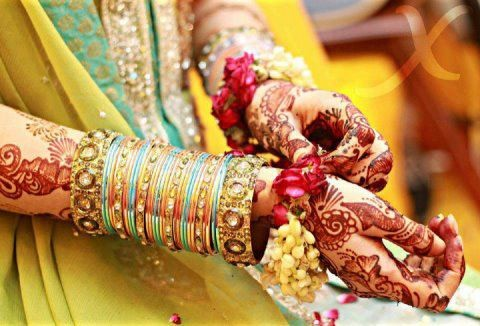 New-Bangles-Designs-For-Girls-Collection-2015-2