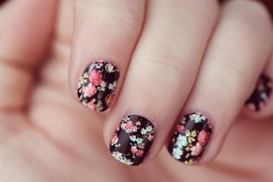 easy-flower-nail-art-designs1