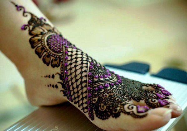 Best-Arabic-Mehndi-Designs-feet-bridal-10