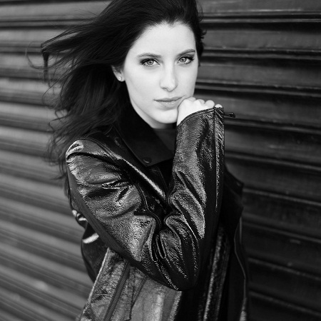 Jet Setting Actress Mireya Rios Girls Mag