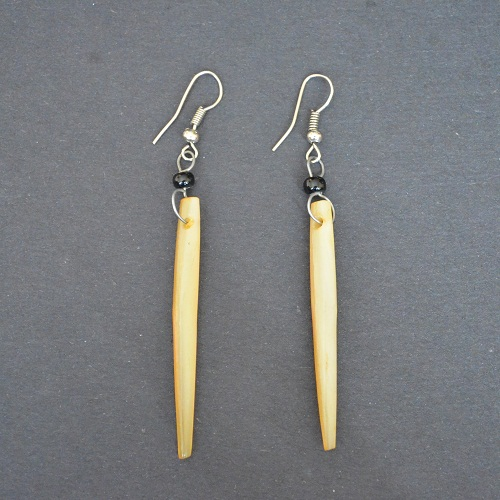 Earrings_Dangling_Cow_Horn