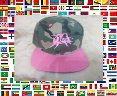 pink_camo_and_flags