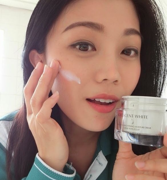 Review Estee Lauder Crescent White Full Cycle Brightening 2 (1)